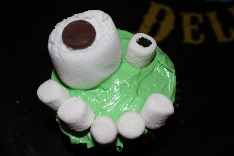 Little Green Monster- Halloween Cupcakes!